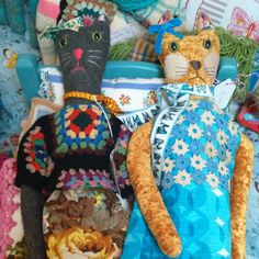 who's the cat's whiskers.gorgeous kitty toys made by Sasha.currently available from Glory Days in Holt. Cat Whiskers, Vera Bradley Backpack, Cat Toys, Kitsch, Vintage Inspired, Dinosaur Stuffed Animal, Quilting, Creatures, Dolls
