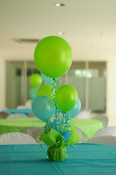 Aqua Blue - Lime Green First Birthday Party balloon,風船 Birthday Party Centerpieces, Balloon Centerpieces, Baby Shower Centerpieces, Birthday Decorations, Centerpiece Ideas, Balloon Table Decorations, Green Party Decorations, Turquoise Centerpieces, Green Decoration