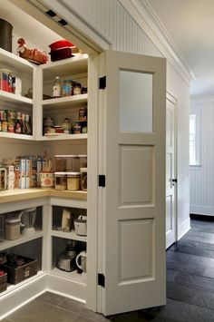 To make the pantry more organized you need proper kitchen pantry shelving. There is a lot of walk in kitchen pantry shelving ideas. Here we listed some to inspire you. Kitchen Pantry Design, Diy Kitchen Storage, New Kitchen Cabinets, Old Kitchen, Kitchen Countertops, Kitchen Organization, Organization Ideas, Storage Ideas, Small Kitchen Pantry