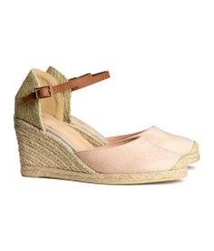 Light pink espadrilles with a wedge heel. H&M #HMPastels
