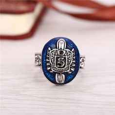 Vampire Diaries Salvatore Stefan 's Finger Family Crest Ring