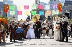 Photos From Mexico City's First Dia De Los Muertos Parade - Neatorama