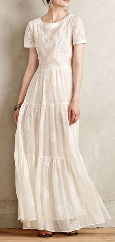 Embroidered Lera maxi dress (just put a white ribbon around the waist) - Rock & Kleid - Modest Fashion Modest Dresses, Modest Outfits, Modest Fashion, Pretty Dresses, Beautiful Dresses, Summer Dresses, White Maxi Dresses, Modest White Dress, Gq Fashion