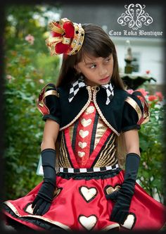 Diy queen of hearts costume collar costumes queens and queen of hearts costume solutioingenieria Choice Image