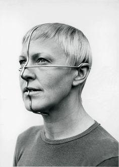 Profile Ornament By Gijs Bakker  1974 byn perfil metal alambre estructura cara humano hombre