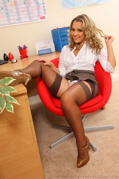 tanned irsh black hired cute girls