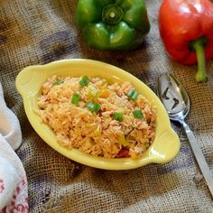 Spanish Rice from Feed Your Soul Too Side Dish Recipes, Gourmet Recipes, Mexican Food Recipes, Side Dishes, Healthy Recipes, Ethnic Recipes, Pasta Recipes, Spanish Cuisine, Spanish Rice