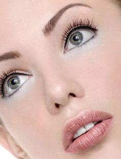 nice fresh eye makeup + awesome frosty honeysuckle rose lipstick hue!