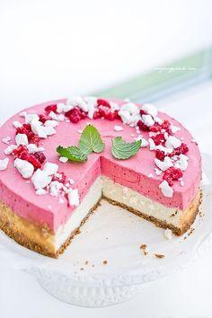 Cheesecake with raspberry mousse - Sernik z musem malinowym Yummy Treats, Delicious Desserts, Sweet Treats, Dessert Recipes, Cheesecake Desserts, Raspberry Cheesecake, Raspberry Mousse, Custard Cake, Mousse Cake