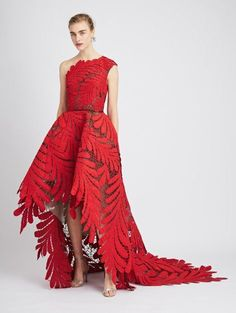 Shop for Oscar de la Renta One-Shoulder Embroidered Silk-Faille and Tulle Gown and designer Gowns and Caftans at the official ODLR website. Tulle Gown, Chiffon Gown, Silk Dress, Dress Red, Best Designer Dresses, Designer Gowns, Luxury Designer, Ball Dresses, Bridal Dresses