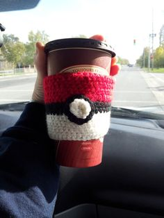 Pokeball Tea Cozy crochet pattern. Would you want to make one of these awesome cozys for the pokemon fan in your life?