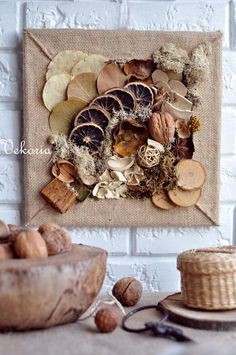 Handmade decor for home Nature Crafts, Fall Crafts, Diy And Crafts, Arts And Crafts, Christmas Diy, Christmas Decorations, Diy Y Manualidades, Deco Nature, Burlap Crafts