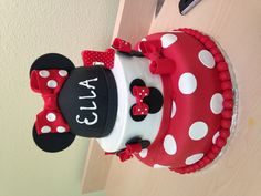 Minnie Mouse birthday cake for first birthday