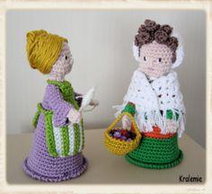 Santons de Provence_Bloemenmeisje en wolspinster - for crochet nativity set Amigurumi Patterns, Amigurumi Doll, Doll Patterns, Crochet Patterns, Crochet Dolls, Crochet Hats, Christmas Toys, Crochet Christmas, Crochet Crowd