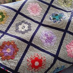 #notmyquilt but hexies seem to popping up everywhere. This is a charity quilt that #capitalquilters are donating to #cosykiwikids Run by Aotearoa Quilters. The first lot of 25 quilts are going to kids in need in Porirua. #hexies #epp #paperpiecing #paperpiecingeverywhere