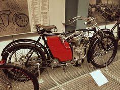 #motorbike #prague #praha #czechrepublic #traveler #tourism #history #museum Prague, Motorbikes, Tourism, Motorcycle, History Museum, Vehicles, Turismo, Rolling Stock, Motorcycles