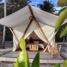 Slow life à Reconnect en Indonésie - Digital Nomadess Glamping, Bungalow, Slow, Great Hotel, Outdoor Gear, Tent, Outdoor Furniture, Life, Home Decor