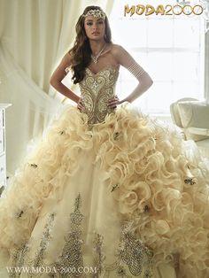 MODA 2000 ELEGANT VINTAGE GOLD QUINCEANERA DRESS! Follow us on instagram for daily updates @moda_2000