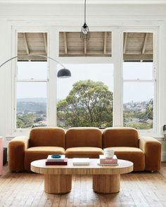 Best Design Tips For Choosing Furniture For Your Living Room Living Room Inspiration, Interior Design Inspiration, Stairs In Living Room, Coffee Room, Lets Stay Home, Sofa Colors, Living Spaces, Living Rooms, Outdoor Furniture Sets