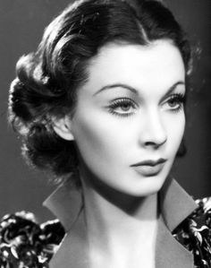 Vivien Leigh....how beautiful.  Makes me want to draw up a chair, a blanket and a bowl of popcorn and flip on Gone With the Wind...sigh