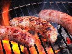 The Food Lab: The Best Way to Grill Sausages from serious eats Grilled Italian Sausage, Italian Sausage Recipes, Grilled Turkey, Grilled Chicken Recipes, Pork Recipes, Recipies, How To Grill Sausage, Best Sausage, Grilling Recipes