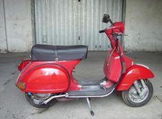 Piaggio Vespa PX 125 1980-2004 Scooter Piaggio Vespa PX 125 1980-2004 vendo usato a pompei € 1.700 http://www.insella.it/annuncio/piaggio-vespa-px-125-1980-2004-115266