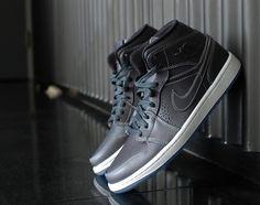 Air Jordan 1 Mid Nouveau Wolf Grey