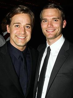 T.R. Knight Marries Boyfriend, Pal Katherine Heigl Attends Wedding http://www.people.com/people/article/0,,20742796,00.html