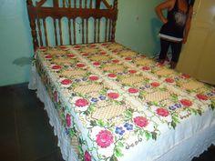 Crochê Afegão Padrão Ponto Cruz Flores itens decorativos Criações -  /   Crocheting Standard Afghan Cross Stitch Flowers decorative items Creations -