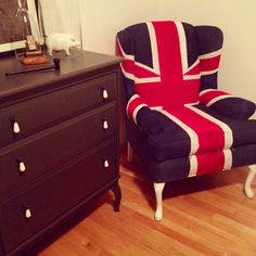 Made my union jack chair. Just need to find the time to distress it so it looks a bit more vintage. Next project is building my bed :)