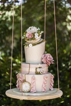 wedding cake idea; photo: JAIME DAVIS PHOTOGRAPHY