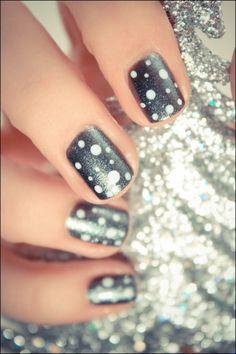 Silver Polka Dot #Nails