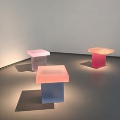 From Thursday, Wonmin Park's debut show at Carpenters Workshop Gallery. Similar works will also be included in Les Arts Décoratifs'… Glass Design, Design Art, Cool Furniture, Furniture Design, Co Working, Contemporary Interior Design, Take A Seat, Oeuvre D'art, Chair Design