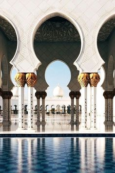 Sheikh Zayed Grand Mosque in Abu Dhabi Abu Dhabi, Oh The Places You'll Go, Places To Travel, Beautiful World, Beautiful Places, Travel Around The World, Around The Worlds, Islamic Architecture, Gothic Architecture