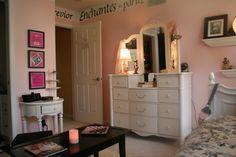 Lauren's Juicy Couture in Paris Bedroom - Girls' Room Designs - Decorating Ideas - HGTV Rate My Space