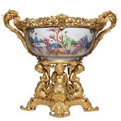 Porcelain Jewelry, Porcelain Vase, Fine Porcelain, Modern Decorative Objects, Decorative Accessories, Decorative Bowls, Altar, Luxury Furniture Stores, Asian Decor