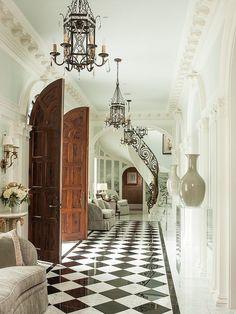 Dream Home Design, Home Interior Design, Living Room Decor Traditional, Traditional Decor, French Country Bedrooms, Parisian Apartment, Parisian Room, Mansion Interior, Elegant Homes