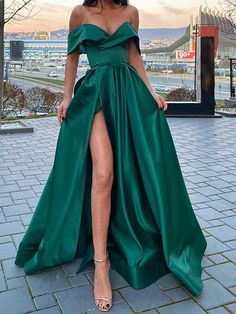 Stunning Prom Dresses, Pretty Prom Dresses, Hoco Dresses, Gala Dresses, Prom Dreses, Event Dresses, Dresses For Parties, Prom Dresses Long Sleeve, Homecoming Dresses