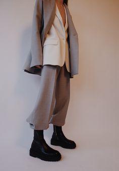 The Oversized Suit Look Fashion, Korean Fashion, Suit Fashion, Winter Fashion, Fashion Outfits, Womens Fashion, Fashion Design, Winter Outfits, Cool Outfits