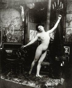 Ballet study: dancing nude in the studio, Rue du Val de Grâce, Paris (c.1901)