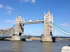 Tower Bridge in London. One of my favourite sites in London. London Eye, London Icons, Grand Canal, Abbey Road, Montpellier, Tour Eiffel, Rio Tamesis, Big Ben, Pont Charles