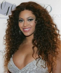 Beyoncé Knowles at The Palazzo opening in Cheap Human Hair, Human Hair Lace Wigs, Beyonce Curly Hair, Half Wigs, Beyonce Knowles, Beauty Art, Celebrity Pictures, Kinky, Hair Clips