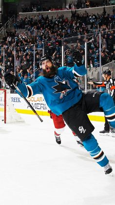 Burnzie scores! Brent Burns, Hockey Goal, San Jose Sharks, Vancouver Canucks, New Star, Hockey Players, Humor, Scores, Football