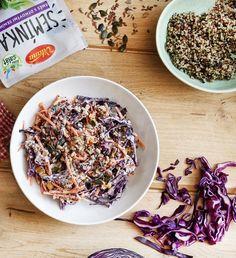 Šalát z quinoy a červenej kapusty je úplna topka. 😋Mňam! #chutnakuchyna #gorilovacka #dnesjem #salat #grilujeme #krevety #mnam #pochutka #vonku #navzduchu #grilovacka #avokado #recept Quinoa, Acai Bowl, Cereal, Breakfast, Food, Meal, Eten, Meals, Breakfast Cereal