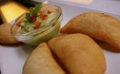 Gastronomía de Venezuela, empanadas con guasacaca