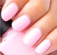 Peach nail color perfect for spring and summer with a little bit