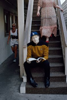 Data is a Dodgers fan!    This must be one of those Star Trek: The Next Generation time travel episodes I missed.
