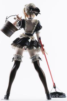 "nkym: "" Saber Alte maid-ver (via cnvl) "" Neko, Maid Cosplay, Anime Figurines, Classic Monsters, Anime Dolls, Body Poses, Figure Model, Pose Reference, Kawaii Anime"