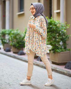 Modern Hijab Fashion, Hijab Fashion Inspiration, Muslim Fashion, Modest Fashion, Girl Fashion, Fashion Outfits, Niqab Fashion, Stylish Hijab, Casual Hijab Outfit