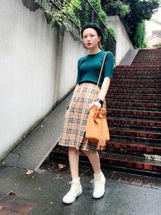 ベレー帽と合わせればレトロ間あるバーバリーチェックのコーデ。参考にしたいスタイル・ファッション♡